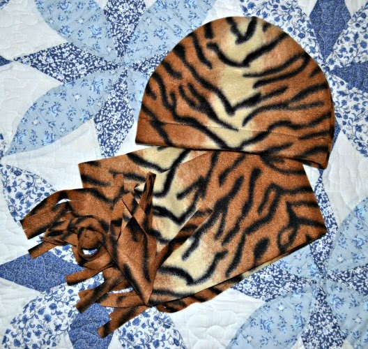 stampwithtrude.blogspot.com Tiger fleece cap and scarf set