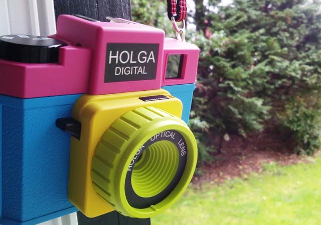 The Holga Digital Version Of The Holga 120N Retro Photographic Television Camera Supports Wifi Cards!