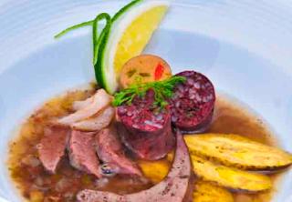 """Cocina Ecuatoriana - Caldo de salchicha """"Morcilla"""""""