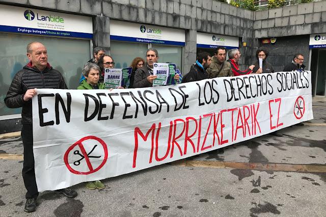 Protesta de Berri-Otxoak ante Lanbide en Beurko
