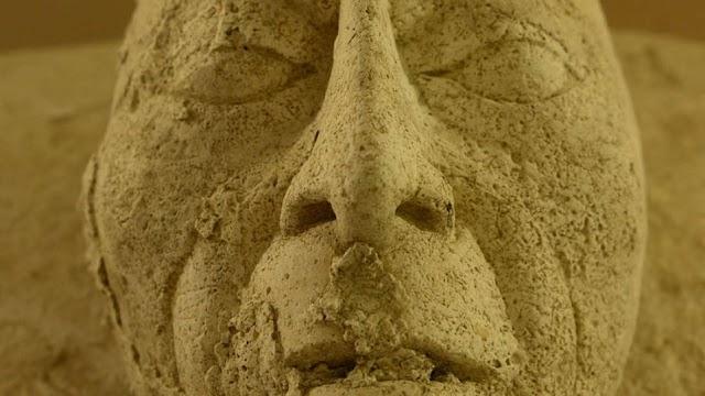 Antigua máscara descubierta en México
