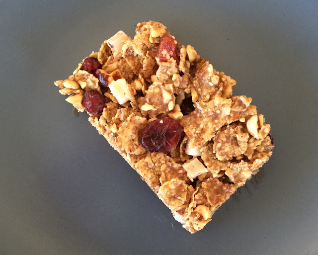 Granola Bars with honey and dried fruits