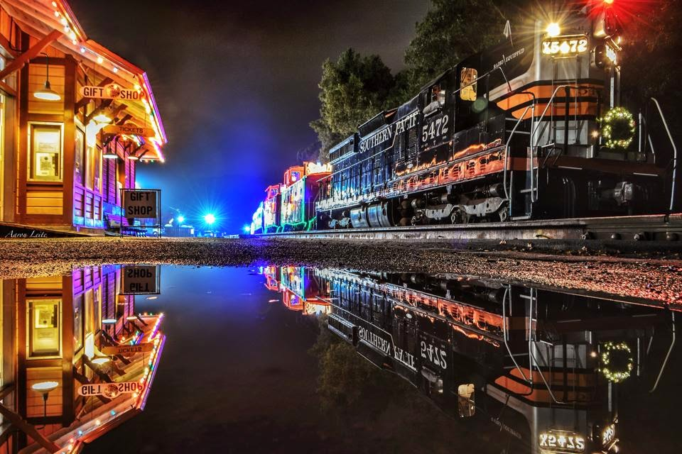 Niles Canyon Train Of Lights