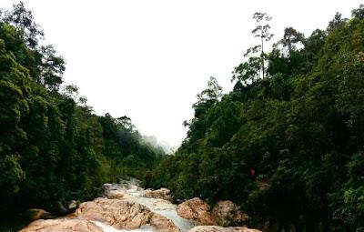 berkelah waterfall