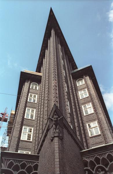 Hambourg, Maison du Chili, Chilehaus, rues Pumpen et Burchard, Pumpenstraße, Burchardstraße, kontorhaus, Fritz Höger, © L. Gigout, 1990