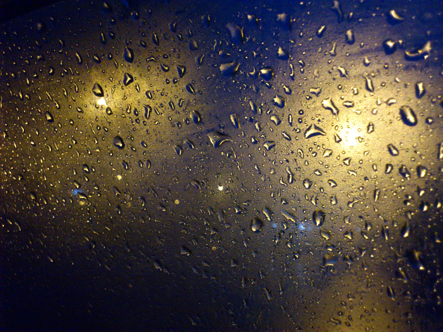 Joel Bramley Photography: Rain droplets on windows