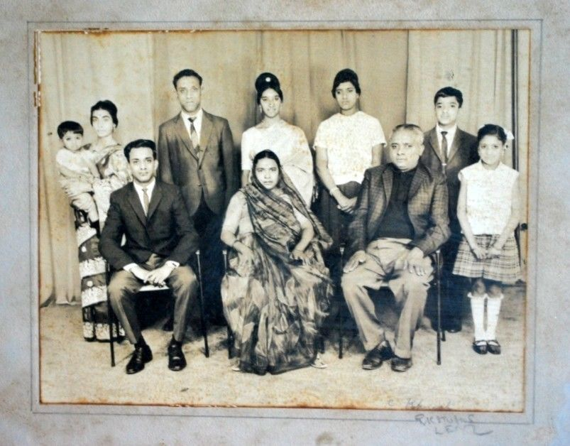 Group Photo of an Indian Joint Family