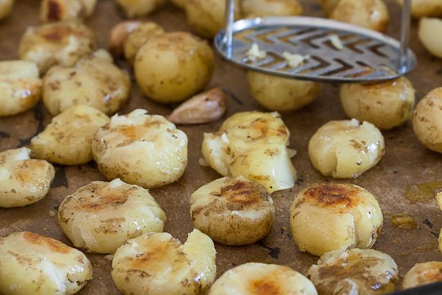 Kako ispeći mladi krompir da bude hrskav i ukusan