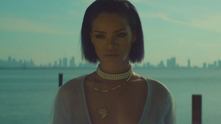 Mais um clipe da Rihanna, mais uma censura do Youtube.