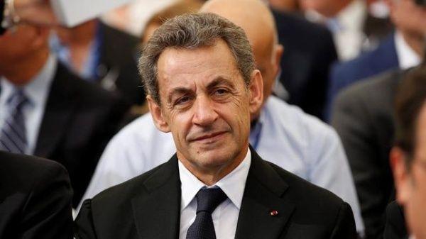 Detienen a Sarkozy por presunto financiamiento ilegal de su campaña