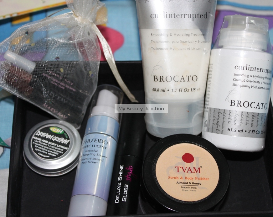Review and contents of the organic May 2013 Vellvette beauty box