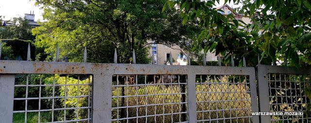warszawa warsaw grochów praga południe praskie klimaty zabudowa praskie ulice architektura ogrodzenie płot