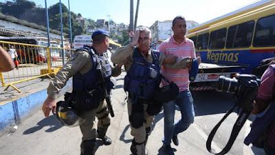 Guarda municipal do Rio de Janeiro (RJ) é ferido por uma pedrada na operação choque de ordem na Central