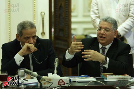 نائب بلجنة التعليم اليوم للوزير 90% من قيادات وزارتك محسوبية ..شاهد ماذا قال له الهلالى ؟!