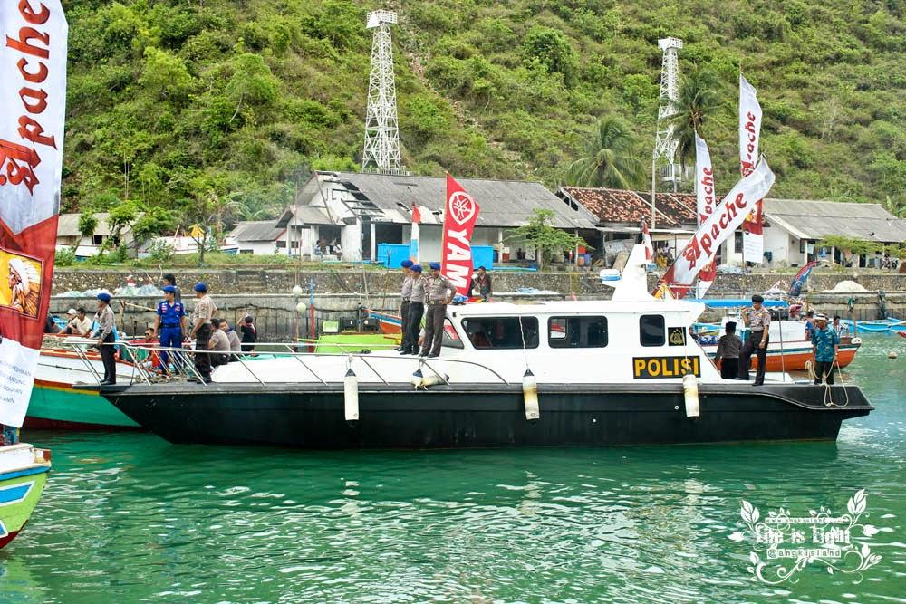 Polisi laut Sadeng