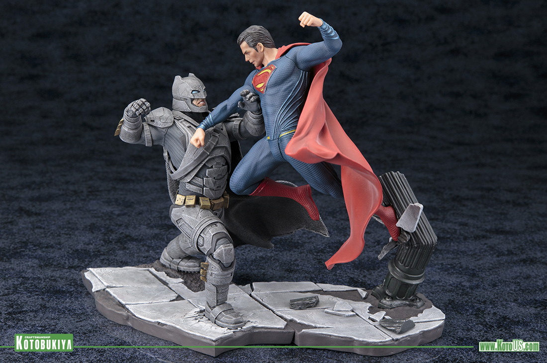 Escultura Batman vs Superman