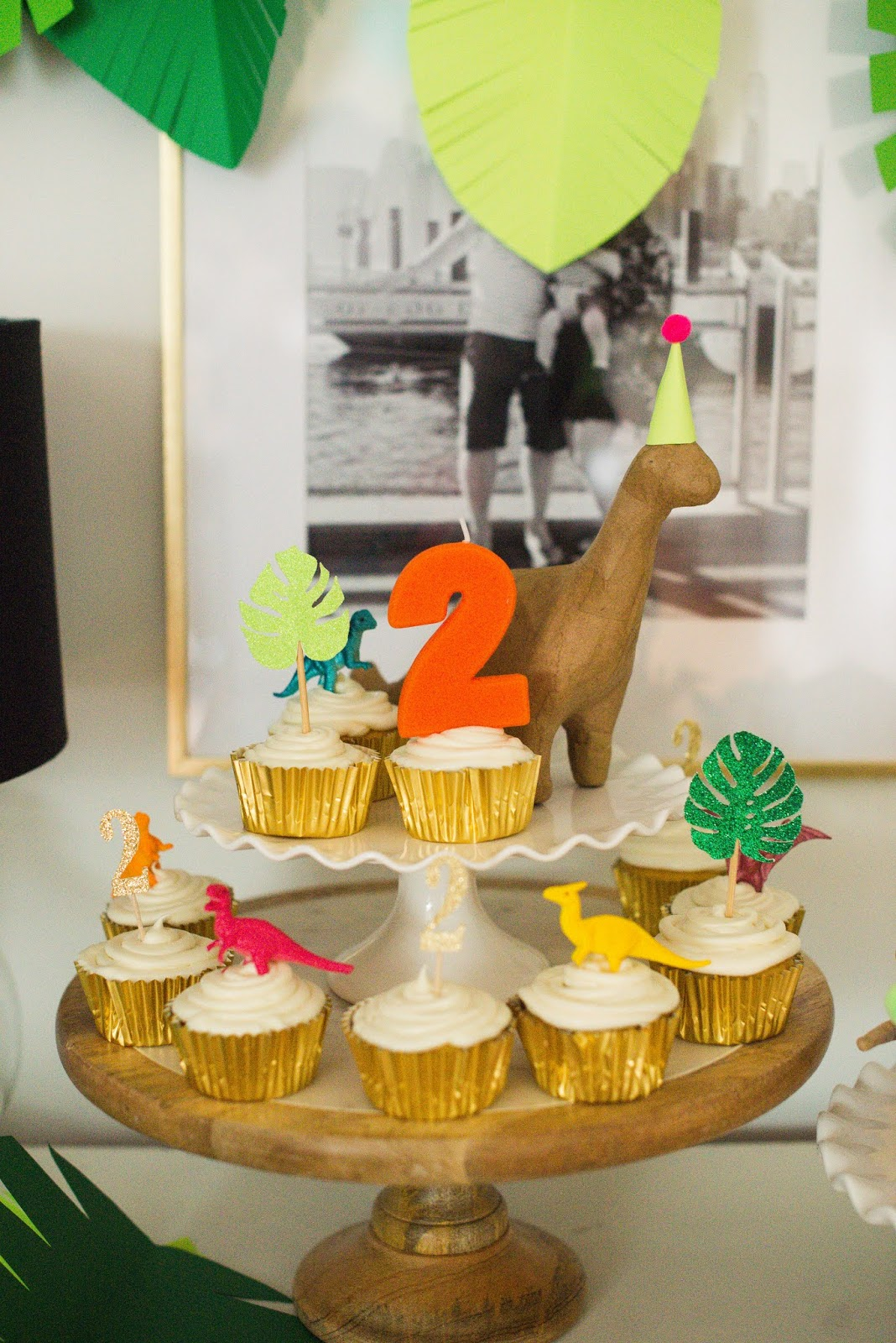 Domestic Fashionista: Dinosaur Birthday Party