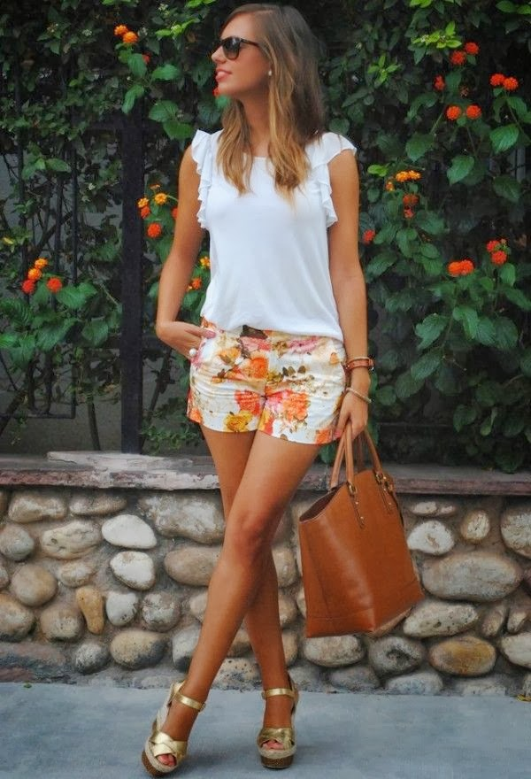styling a white t-shirt