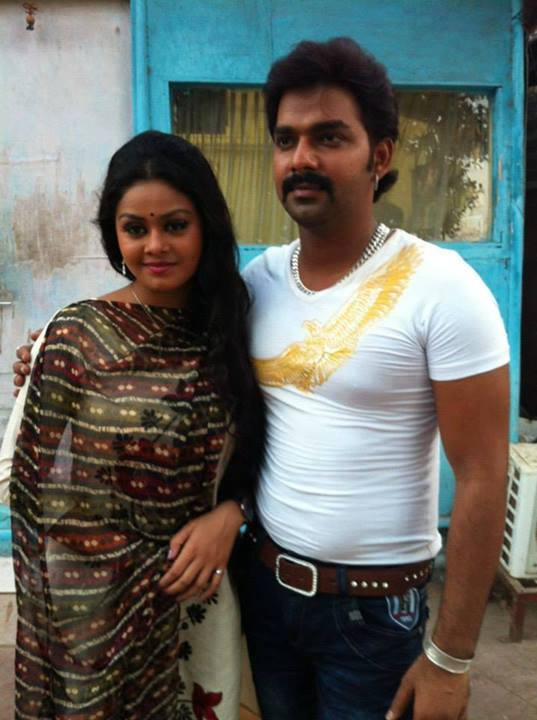 Tanushree Chatterjee has acted Many Movies alongside with Famous Bhojpuri Actor Khesari Lal Yadav and Pawan Singh.
