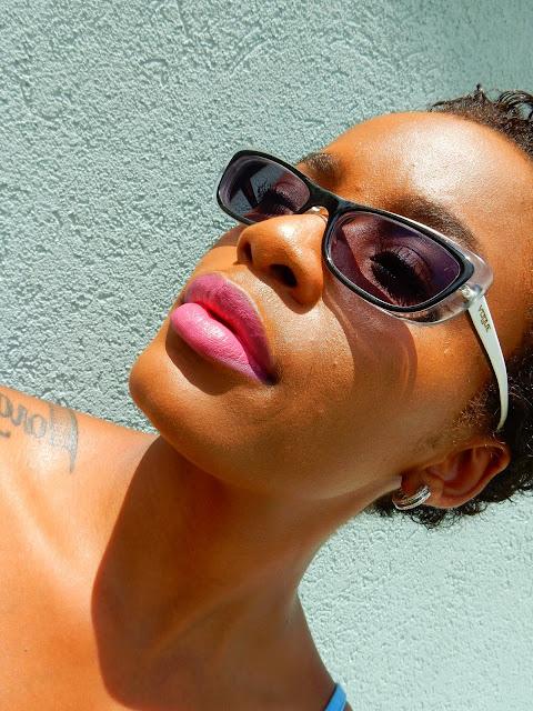Estee Lauder Pure Color Envy Sculpting Lipstick '230 Infamous' - www.modenmakeup.com