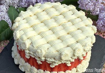 gâteau fête des mères, fraisier chocolat blanc, fraisier déco, fraisier autrement, vanille, fraises, chocolat blanc, dessert de fête, patissi-patatta