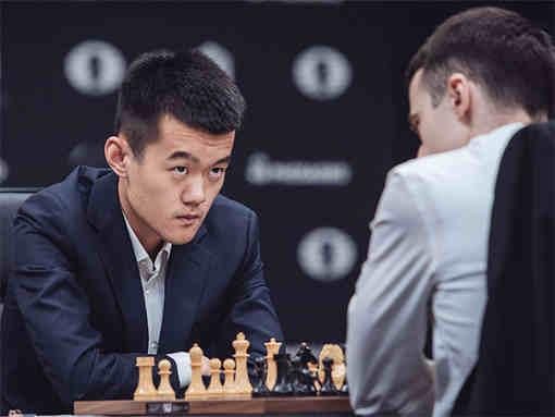 Le grand-maître chinois Ding Liren (2733) est opposé à sa compatriote Hou Yifan (2652)  - Photo © Max Avdeev