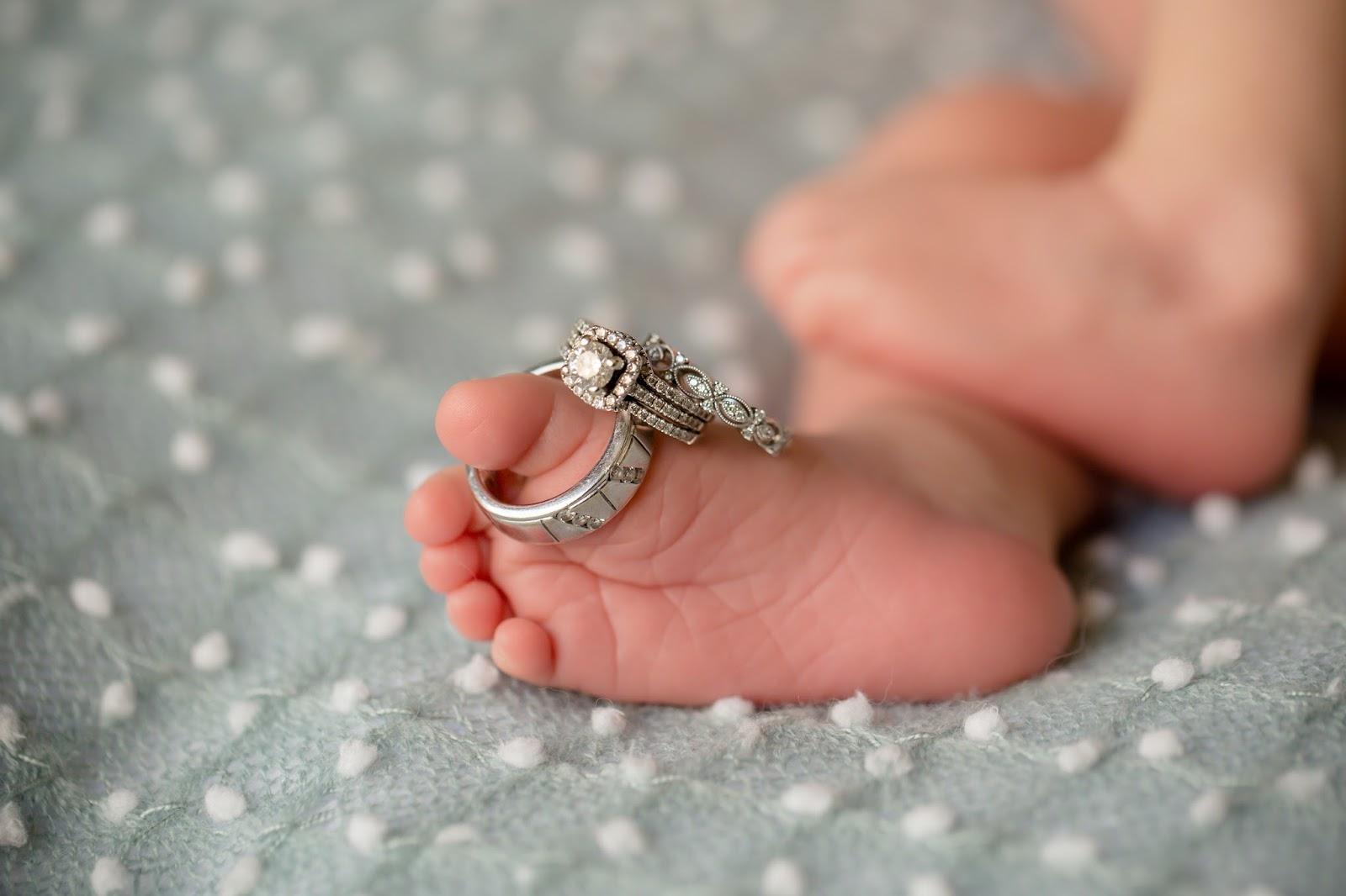 Shane Company newborn ring toes