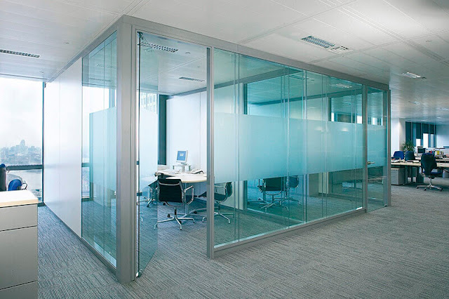 Boss can monitor the progress of work through the glass partition