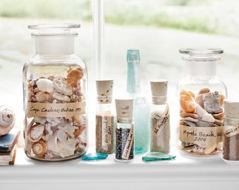 seashell collection in glass jar (10 Summer Seashell Decor Ideas) #decor #decorating #seashells #beach #summer #sea
