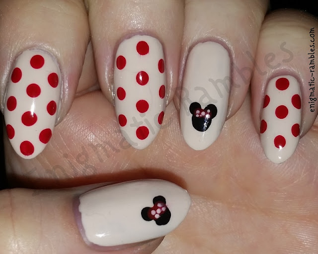 minnie-mouse-nails-nail-art