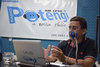 Resultado de imagem para fotos do prefeito naldinho na rádio potengi