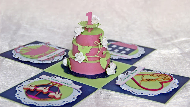 komplet ślubny handmade, koperta na pieniążki, kartka w pudełku, I-Kropka inspiracje, exploding box na rocznice ślubu, życzenia na ślub, zakochaj się w jesieni inspiracje, tekturki I-kropka, granatowa kartka ślubna, co podarowac w prezencie ślubnym