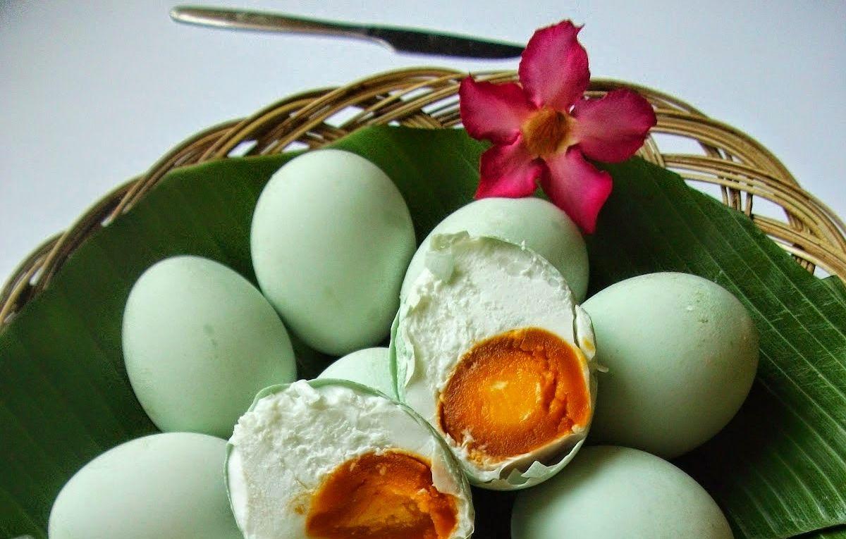 Cara membuat telur asin mudah dan berkualitas (zonamakan.blogspot.id)