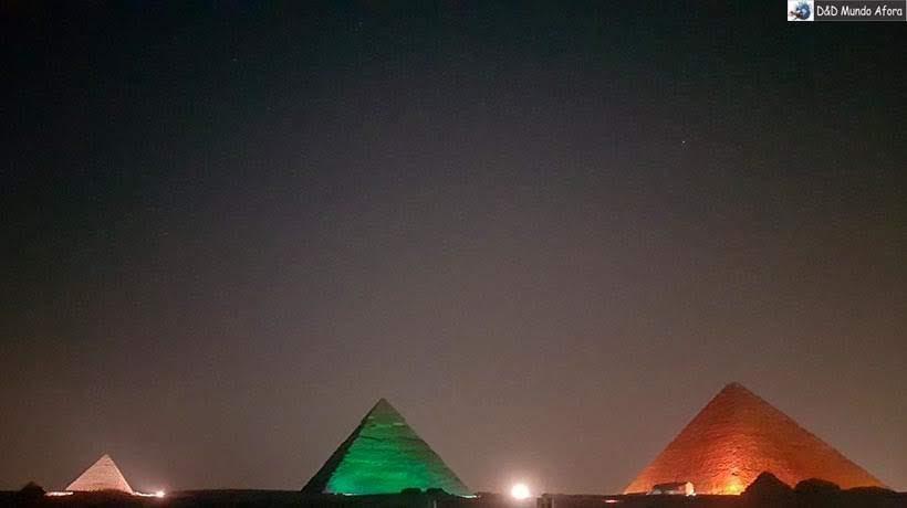 Show de Som e Luzes nas Pirâmides de Gizé - Roteiro: 2 dias no Cairo, Egito