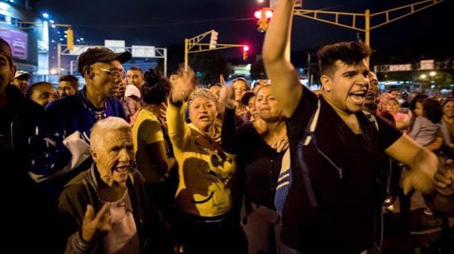 Maduro culpa a Portugal de sabotear falta de pernil en Venezuela