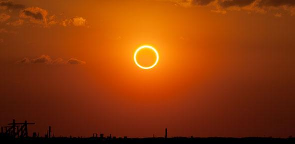 Annular eclipse photographed at sunset in eastern New Mexico.  Credit: Kevin Baird