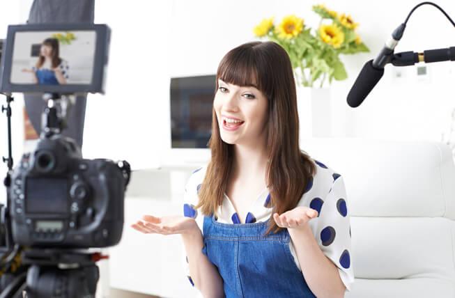 Perlengkapan yang perlu anda miliki saat  Bikin Vlog Di Youtube
