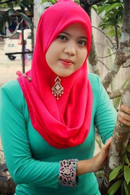 tutorial hijab pashmina baju ketat dan manis