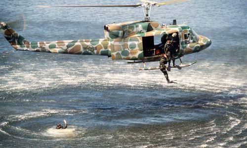 Helikopter UH-1