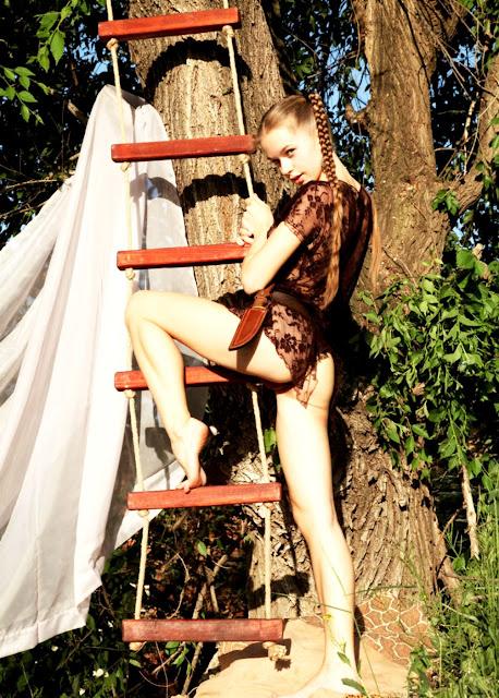 Девушка с соседнего двора (Met Art эротика Milena D)