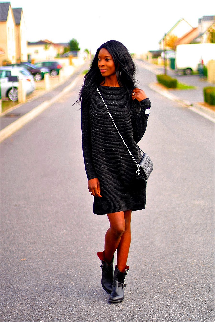 automne-style-robe-pull-asos-bottes-motardes-sac-chanel-woc
