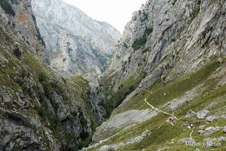 Subida a Bulnes por la Canal del Tejo