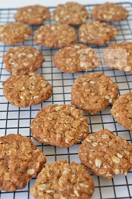 chewy crispy anzac biscuits cookies