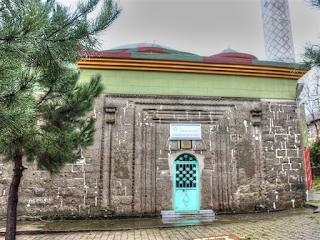 Kategoriler: Camiler   Tarihi Eserler    Etiketler: çınaralan kilise camii   tekkeköy