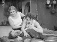 "Кадр из фильма Чарли Чаплина ""Пародия на Кармен"" / Burlesque on Carmen (1916) - 18"
