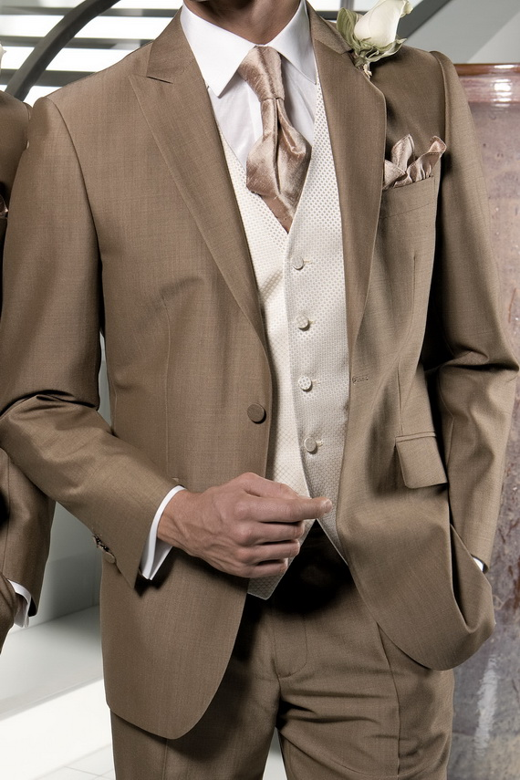 Awesome Fashion 2012 Awesome Summer Suits For Men 2012