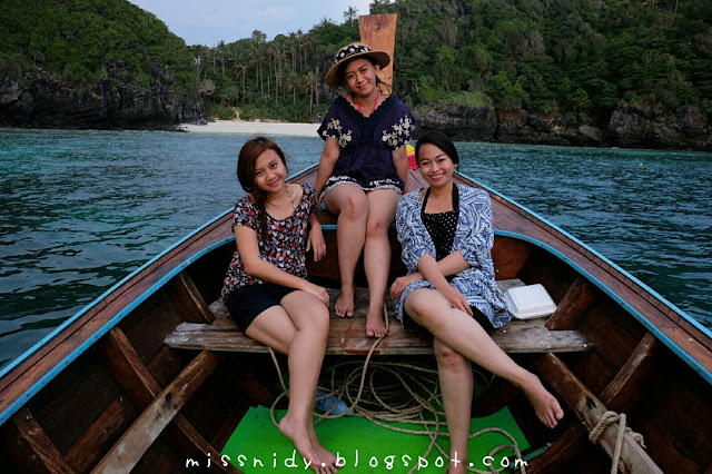 ikut sunset tour di phiphi island