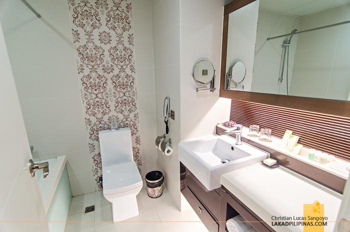 Metropole Hotel Macau European Deluxe Toilet & Bath