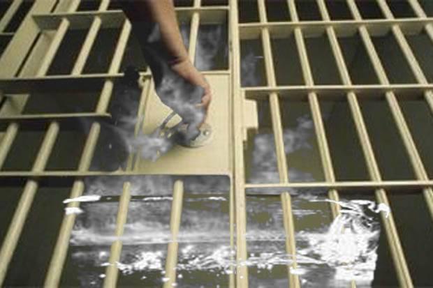 Kesal kenak asap, oknum polisi semarang siram tahanan dengan air mendidih