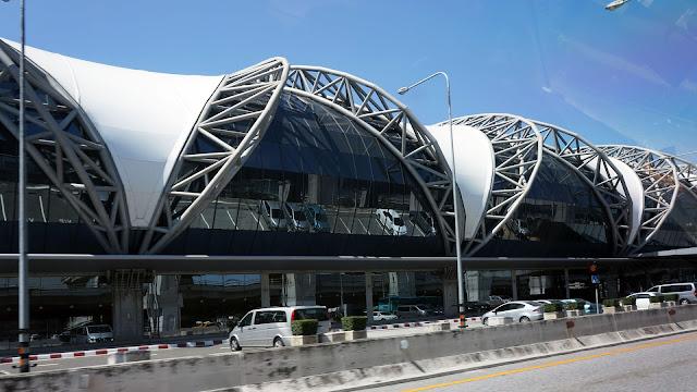 Изображение аэропорта Суварнабхуми в Бангкоке, Тайланд